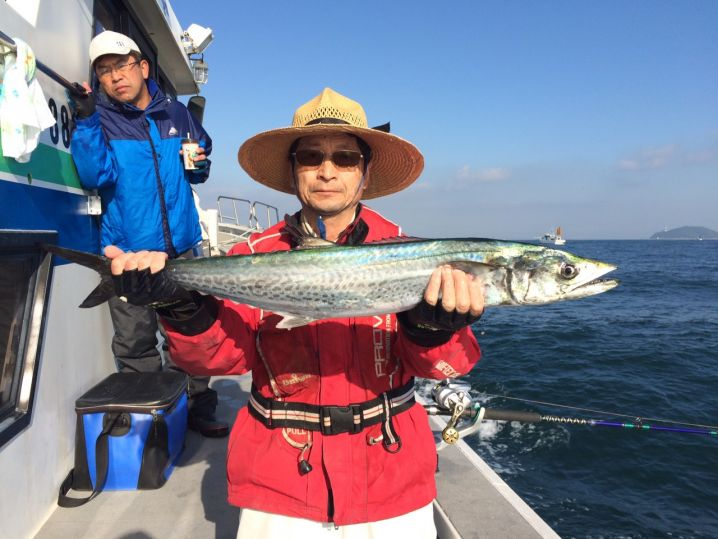 タチウオ釣りにて釣れちゃいましたf(^_^)