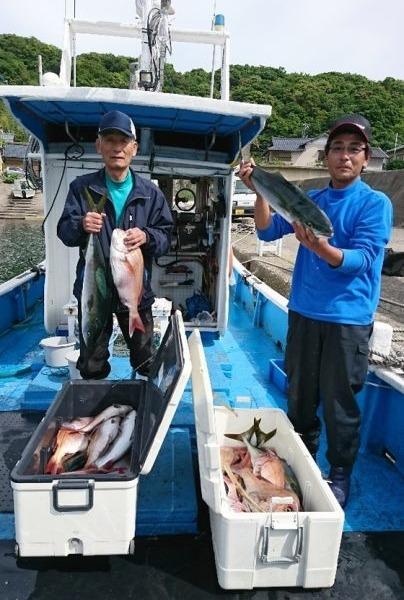 釣果5月16日午前便 ヒラマサ75センチまで4本☺ ブリ85センチ1本☺ ワラサ75センチまで5本☺ 真鯛50センチまで22枚