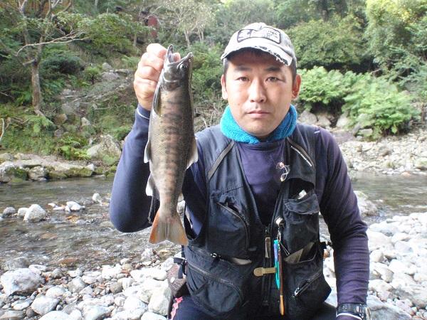 今年最後の渓流釣行は伊豆へ!!