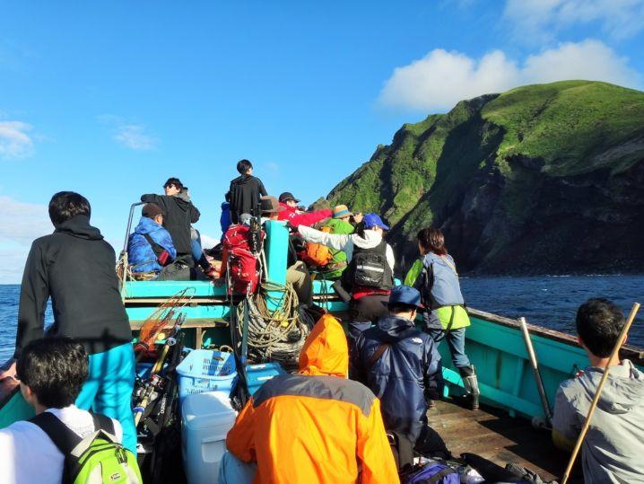 総勢50名以上が参加、 釣りだけでなくシュノーケリング、銛突き…