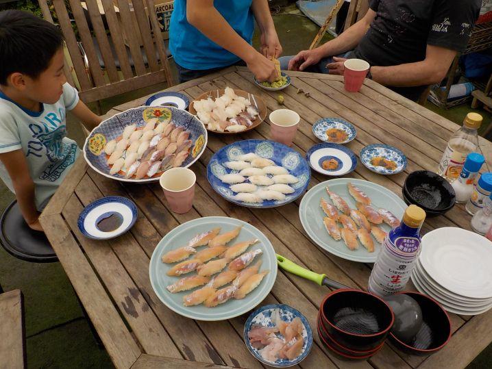 友達家族とお寿司にしていただきましたよ〜!!