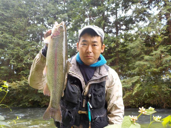 荒瀬で掛けたデカ虹鱒の引きは最高に楽しかった〜!!