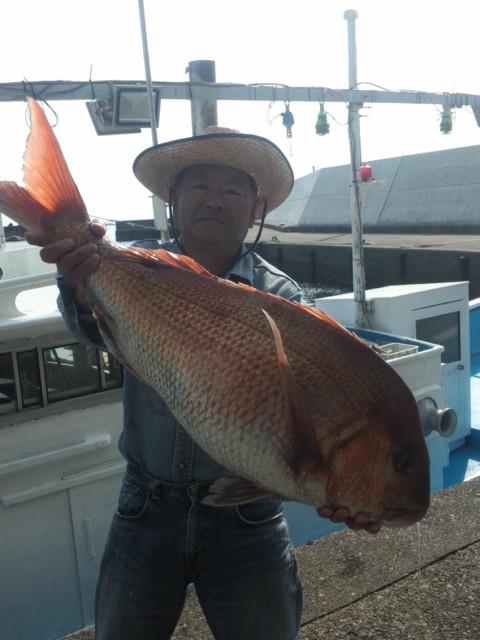 真鯛87センチ 遊漁船龍神丸船長の釣果(昨年ですけど)