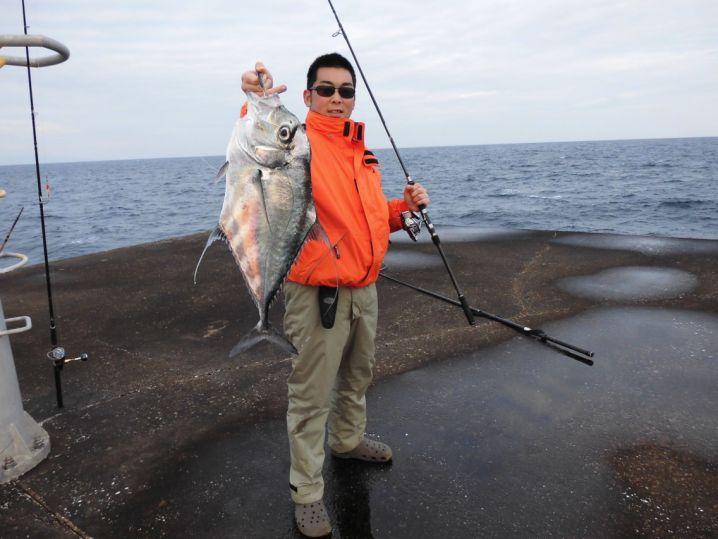 種子島のきーぼーさんからの釣果をご紹介します。  ボトムをと…