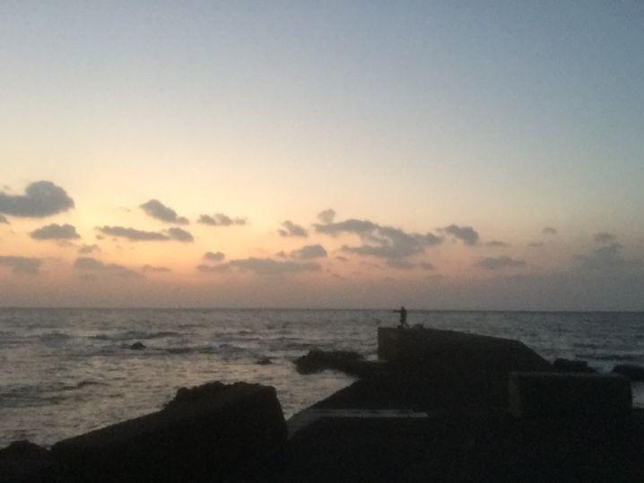 白良浜の先の磯でフカセでグレを狙ってきました!15時から18時ま…