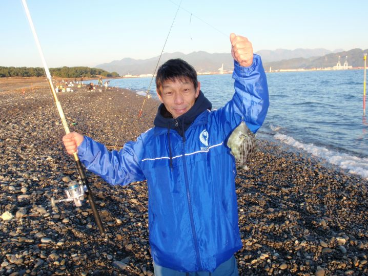 釣り仲間の小沢さんは良型のカワハギが初物!!