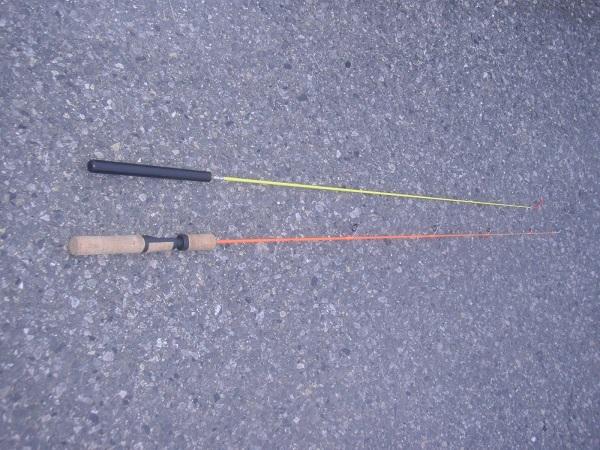 上が金魚釣り竿、下が鱒レンジャーです。シルエットが似てますね。も…