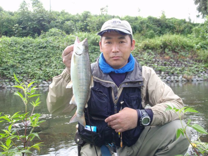 お盆のバーベキュー前に釣りました。