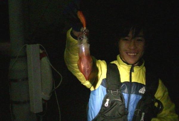 初の夜釣りで釣り納め(イカ)