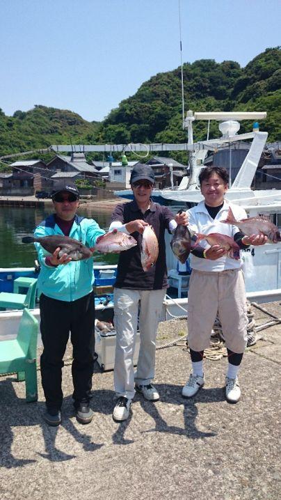 真鯛40センチまで7枚、キジハタ1枚、ホウボウ1枚、マハタ2枚、…