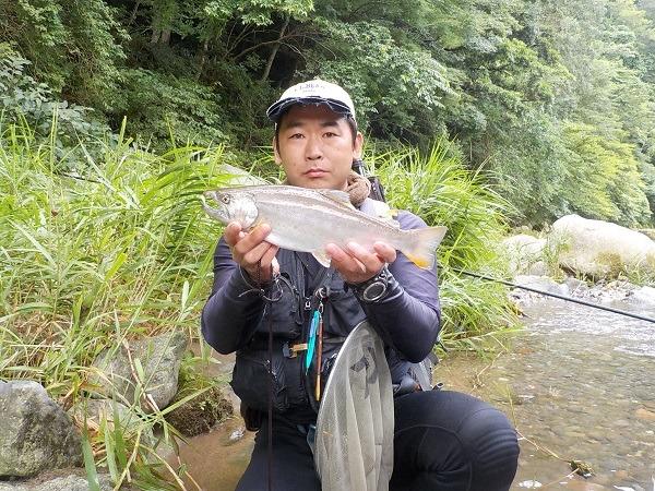 台風後の釣行で40上アマゴ!!