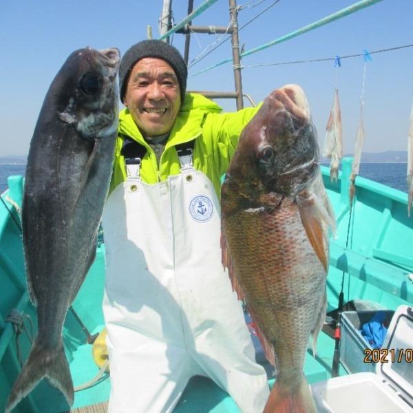 真鯛7.3kgがヒット 他目鯛など(^_-)-☆