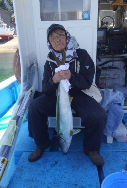 ヒラマサ92センチ1本、真鯛55センチまで6枚