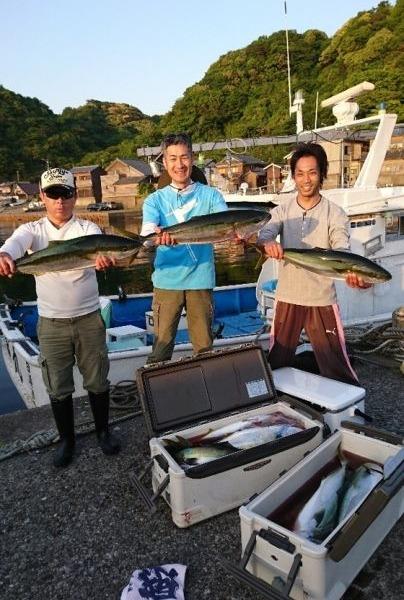 釣果5月20日午後便 ヒラマサ75センチ1本 ブリ11本 ワラサ5本 真鯛55センチまで8枚