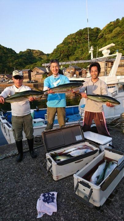 ヒラマサ75センチ1本 ブリ11本 ワラサ5本 真鯛55センチま…