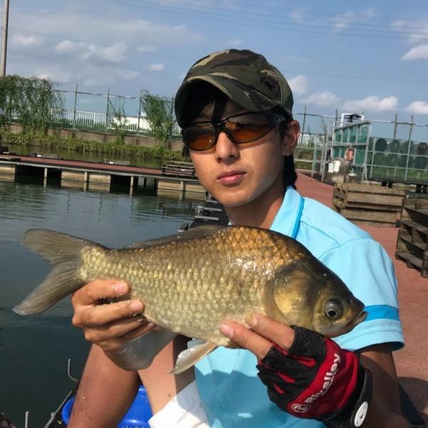 神扇池にて 夏のヘラブナ釣り