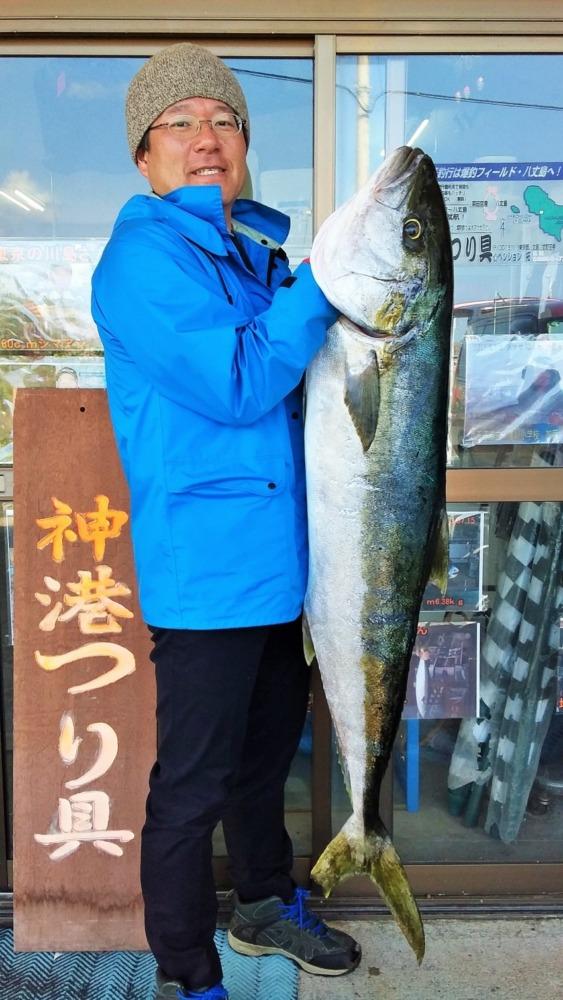 八丈島 ショアマサ 15kgオーバー!! 地磯からミノーで ヒラマサ今季1号出た!